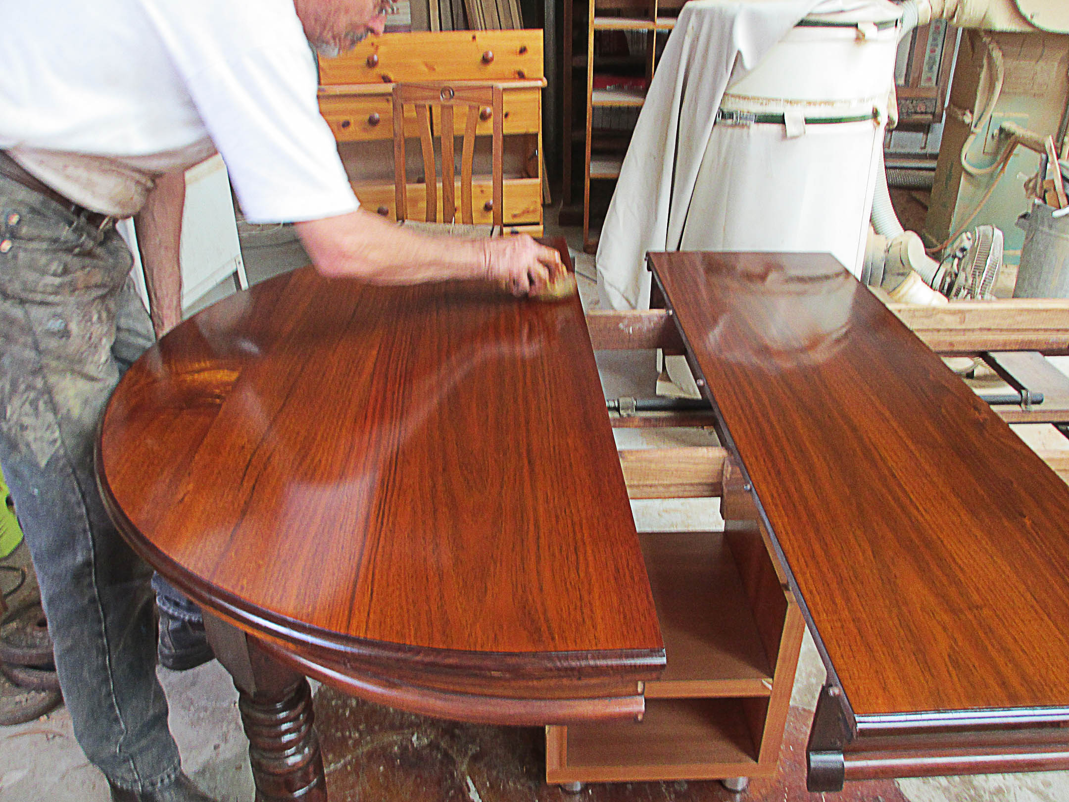 French Polishing Table